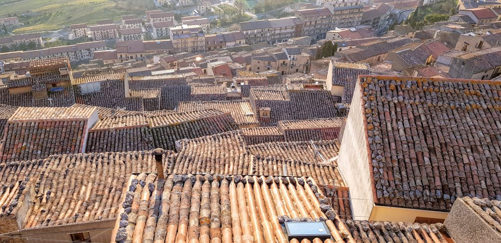 Gangi roofs